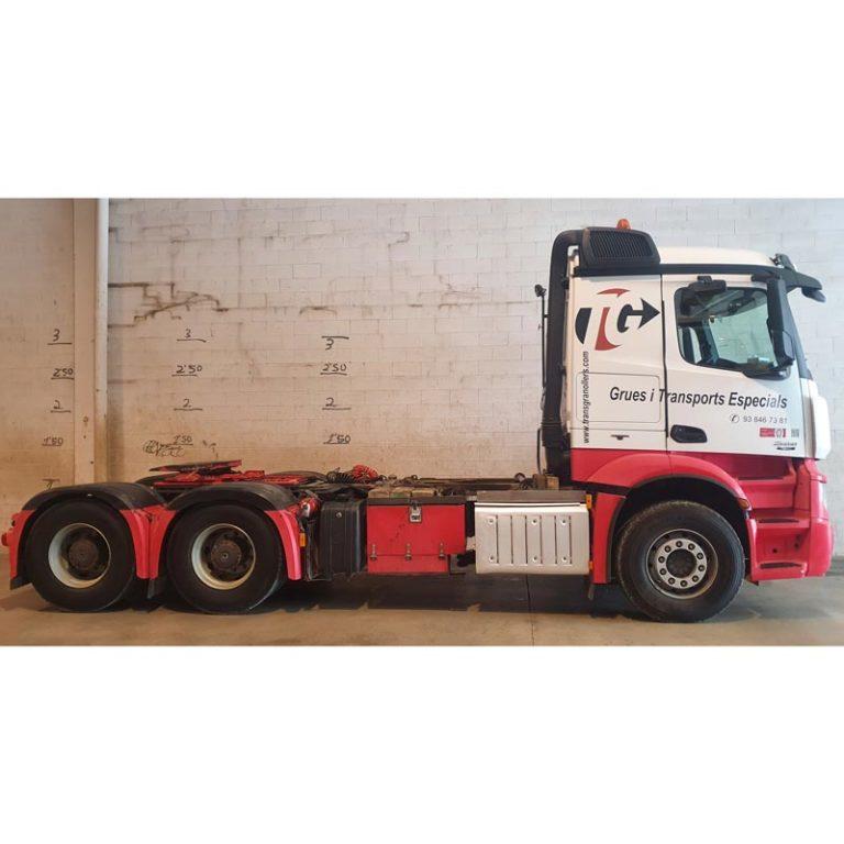 Tractora-MERCEDES-BENZ-2651-con-caja