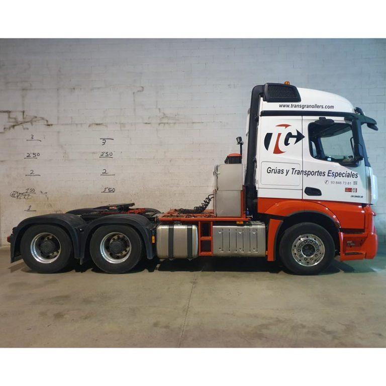 Tractora-MERCEDES-BENZ-3363-